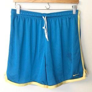 Nike Men's Mesh Shorts - M